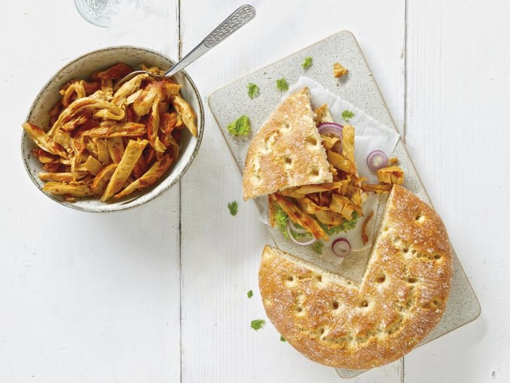 15797 34018 Vegetarisches Pulled Chicken + 9898 Fladenbrot