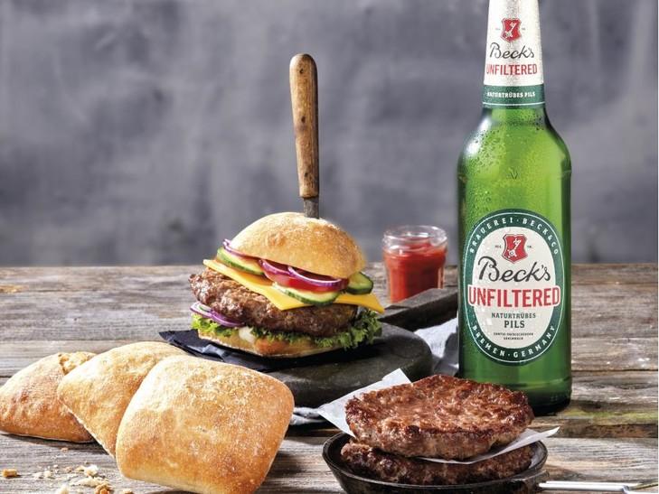 Rindfleischburger + Bauernbrötchen + Becks Unfiltered