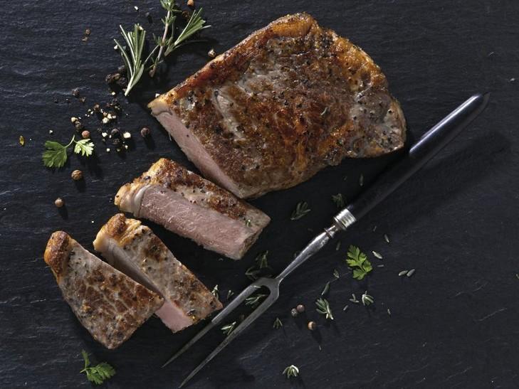 Kanadisches Heritage Angus Striploin Steak, gewürzt