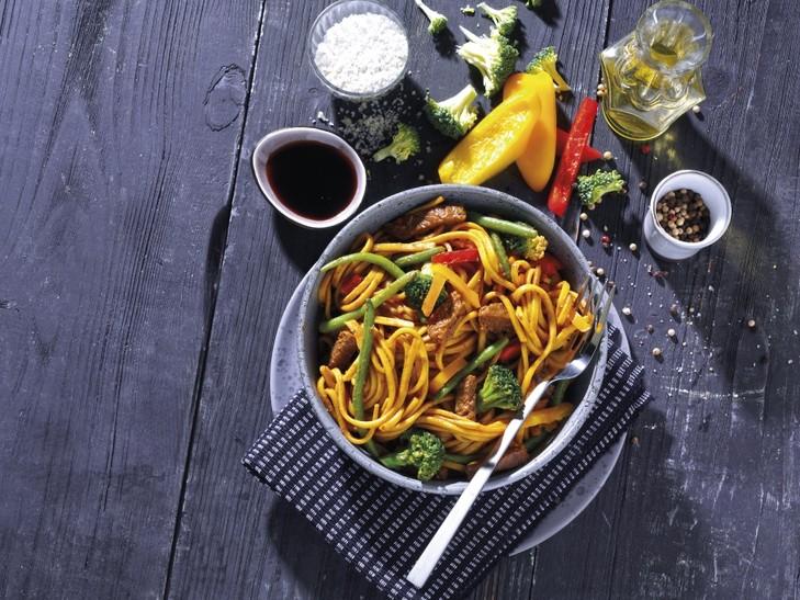 Asia Rindfleischpfanne Chow Mein