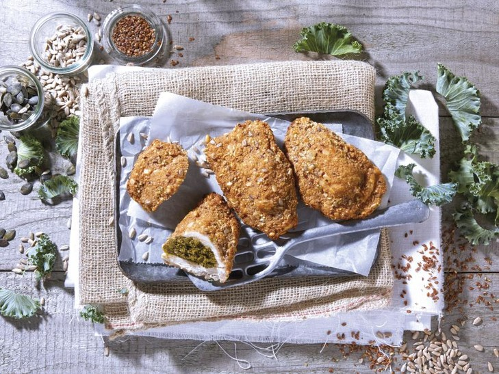 gefüllte, panierte Hähnchen-Schnitzeltasche Grünkohl