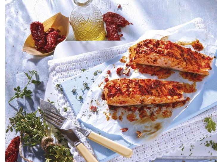 Lachsfilet Tomate-Kräuter