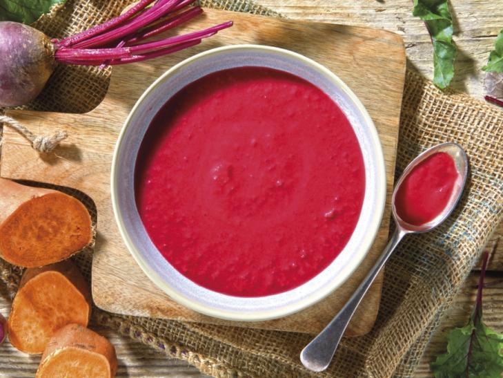 Rote Beete-Suppe mit Süßkartoffeln