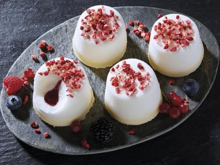 Pannacotta Waldfrucht Dessert