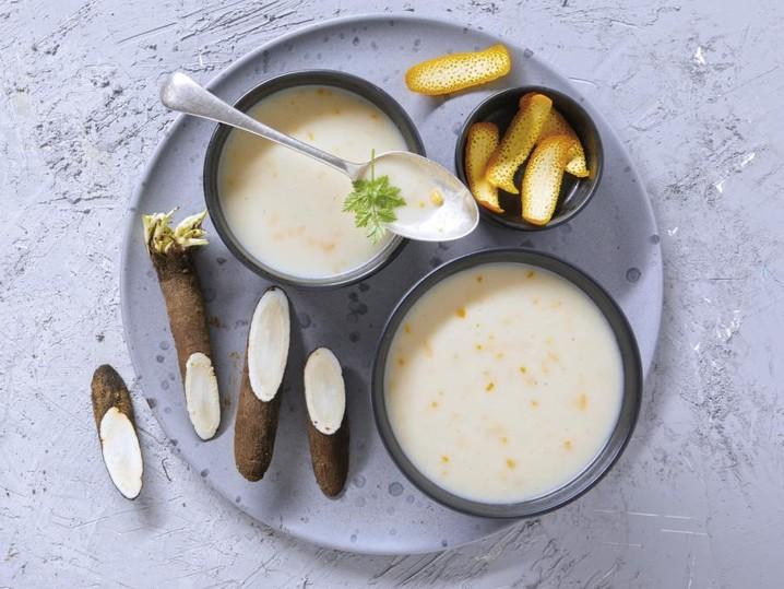 Schwarzwurzel-Orangen-Cremesuppe