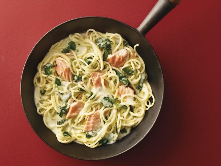 Spaghetti-Pfanne mit Wildlachs